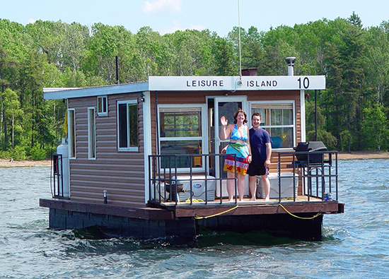 Houseboat rentals in Temagami, Ontario
